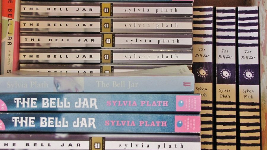 %22Powells+-+The+Bell+Jar+-+Sylvia+Plath%22+by+Photos+by+Portland_Mike+is+licensed+under+CC+BY+2.0