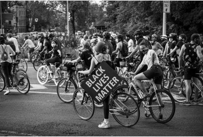 Source : https://www.bicycling.com/culture/a32895355/bike-protests-black-lives-matter/#:~:text=In%20New%20York%20City%2C%20activists%20have%20organized%20bike%2Dspecific%20marches,Bikers%20to%20newbie%20pandemic%2Dpedallers.&text=Hamilton%20believes%20protesting%20via%20bike,bikes%20going%20down%20the%20street