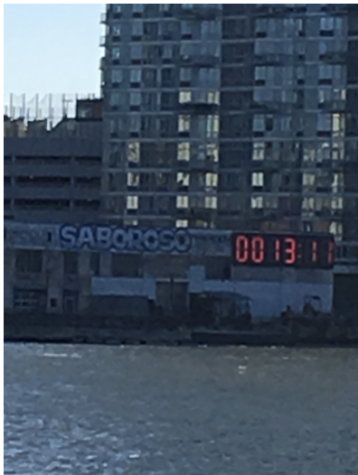 Queens Clock Countsdown the Days Till Trump Leaves Office